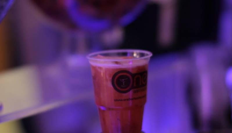 Bartender com Drinks sem álcool Chora Menino - Bartender para Congresso