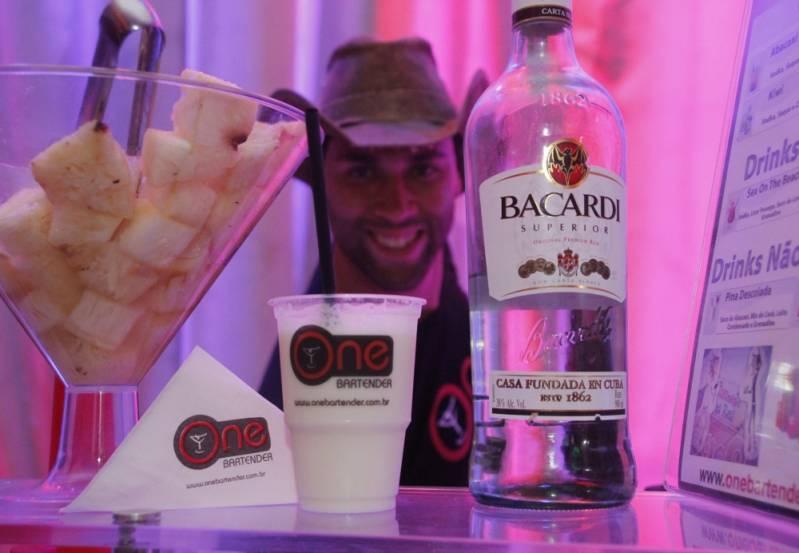 Empresa de Bartender com Drinks Guaianases - Bartender Preço por Pessoa